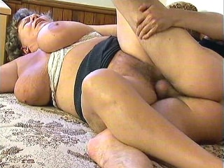 Fat Mature pussy s paw Gets Speared