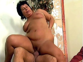 washed out Matures Rides a Cock