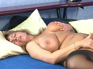 Hot Older Plumper Brenda