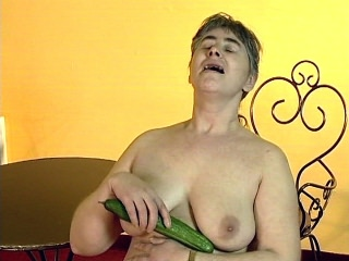 Busty Mature Plays withdraw Her Toy