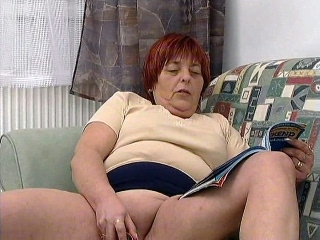 BBW Patty Rubbing Her Muff